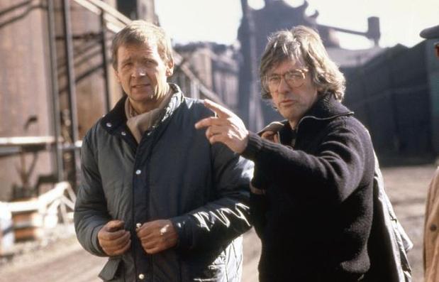 ROBOCOP, cinematographer Jost Vacano, director Paul Verhoeven, on set, 1987. (c)Orion Pictures