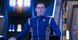 Pictured: Jason Isaacs as Captain Gabriel Lorca. STAR TREK: DISCOVERY coming to CBS All Access. Photo Cr: Jan Thijs © 2017 CBS Interactive. All Rights Reserved.