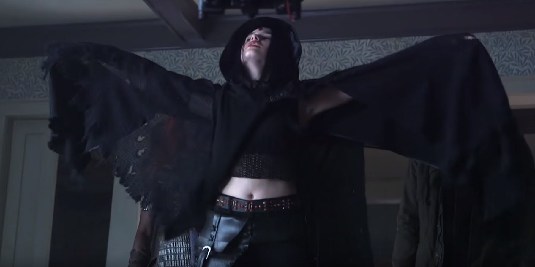 Raven-Costume-From-Titans-BTS-Video